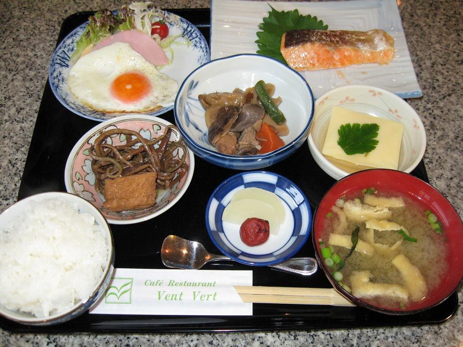 中寿美花壇の朝食